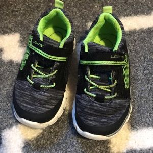 Toddler boys sneakers size 7